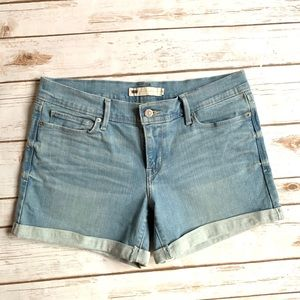 Levi's Jean Shorts Lightwash Rolled Cuffed Size 29